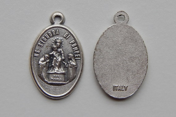 5 Patron Saint Medal Findings, Madonna of Pompei, Die Cast Silverplate, Silver Color, Oxidized Metal, Made in Italy, Charm, Drop, RM701