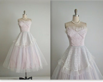 50's Prom Dress // Vintage 1950's Strapless Lace Tulle Tulle Prom Wedding Party Dress Gown XS