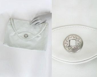 SALE Vintage 80s Purse / 1980s Minimalist Cream Leather Large Clutch Bag