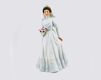 1993 Homeco Elizabeth's wedding bride / Hand painted porcelain
