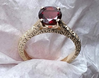Vintage 7mm Garnet Engagement Ring in Yellow Gold