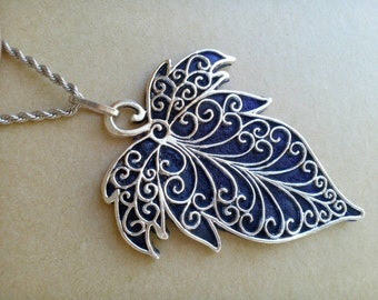 Silver Filigree Black and Green Leaf Pendant Necklace