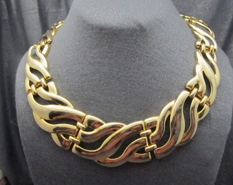 Gold tone Metal Necklace, chunky, wide wave pattern