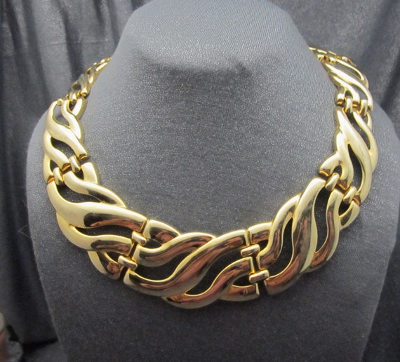 Gold tone chunky wave necklace, wide, vintage necklace,