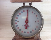 Vintage Shabby Chic Metal Kitchen Scale