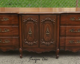 Vintage French Provincial Dresser and Mirror Shabby chic