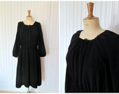 vintage 1940s little black day dress / 40s rayon crepe dress