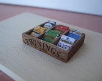Miniature wooden box for tea and tisanes