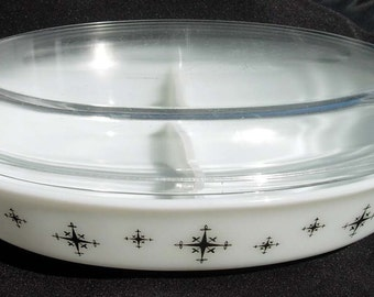Pyrex COMPASS Divided Dish with Bonus Lid