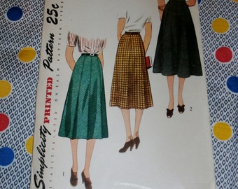 "Vintage 1940s Simplicity Pattern 2339 for Misses Skirt Size Waist 26"", Hip 35"""