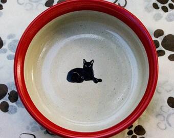 Black Cat Resting Bowl in Red (Medium)
