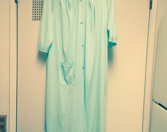 Nylon nightgown/robe medium shadowline long/button front with pocket Green with white lace trim by shadow line