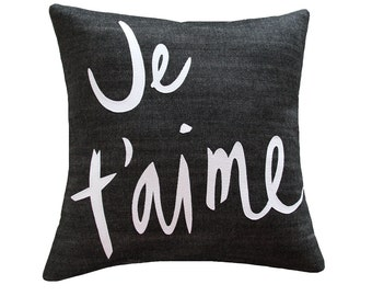 Je T'aime Pillow, Black and White