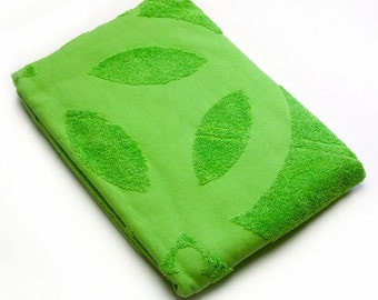 Crop Circle Bath Towel