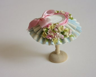 A beautiful 1/12 dollshouse handmade miniature spring collection flower  hat