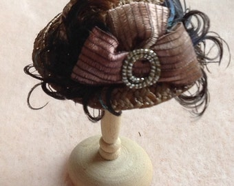 Handmade 1/12 miniature dollshouse Victorian straw hat