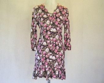 Pink & White Roses Ruffle Wiggle Dress