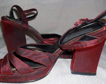 1970s Vintage red platform sandals - size 5 (UK)