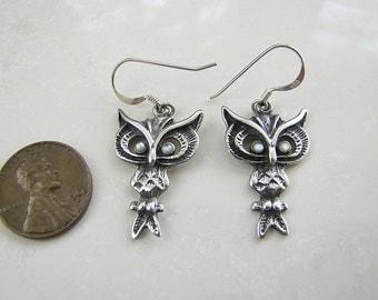 Owl Sterling Silver Earrings with MOP eyes, Owl earrings
