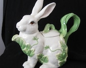 Fitz and Floyd Classic Collection - Le Lapin Rabbit Teapot/Pitcher