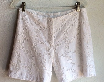 White Lace Lilly PULITZER Shorts // Sz 4