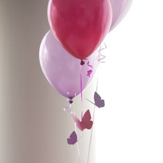 Butterfly themed birthday party decorations flying butterfly for Balloon decoration color combinations