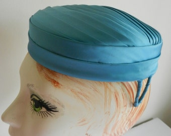 Vintage Turquoise Blue Satin Hat from Chicago 1950s