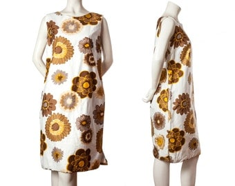 Vintage 1960s mod shift dress -- midcentury dress -- flower power yellow and brown floral screen printed dress -- size medium / large