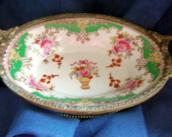 Pretty Little Flower Decorative Oval Shaped Dish for Decorative Use Only; Soaps, Jewelry, Trinkets, Vintage