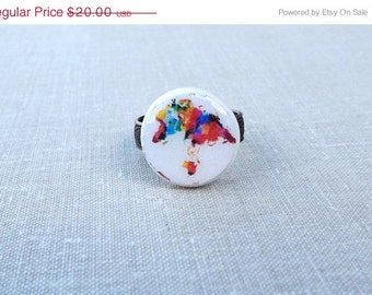 Whole wide world- Vintage world map ring- World map ring- Colored world ring- Round adjustable ring- White ring- Retro Space- Globetrotter