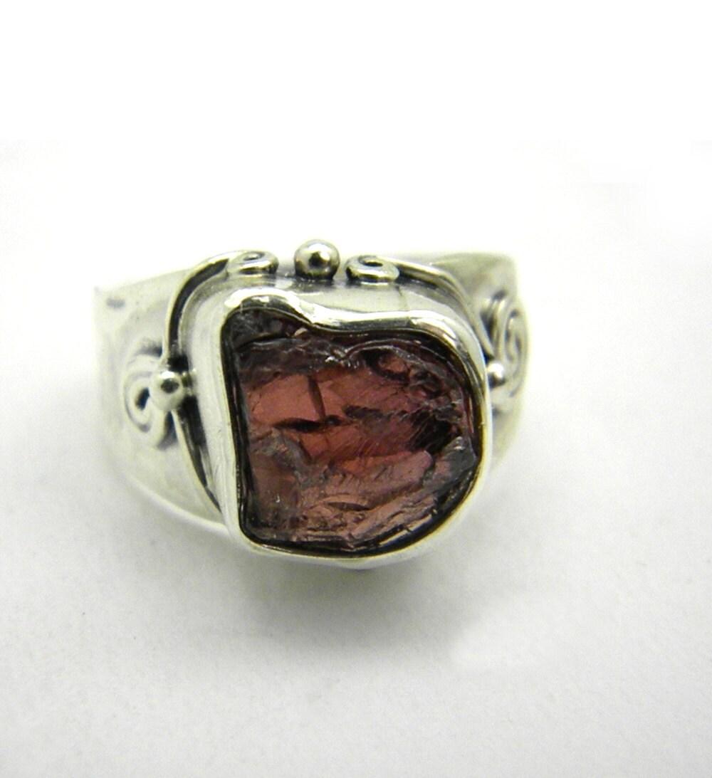 raw garnet ring sterling silver rough garnet ring gemstone. Black Bedroom Furniture Sets. Home Design Ideas