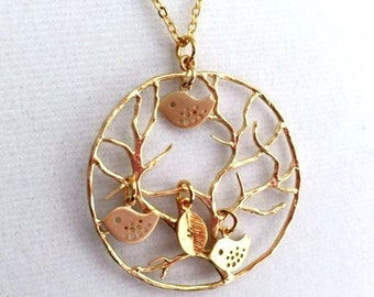 Family Tree and Bird Necklace. Tree of Life Necklace. Tree Pendant Initial Necklace.Mother Necklace. Personalized Jewelry. Family Necklace.