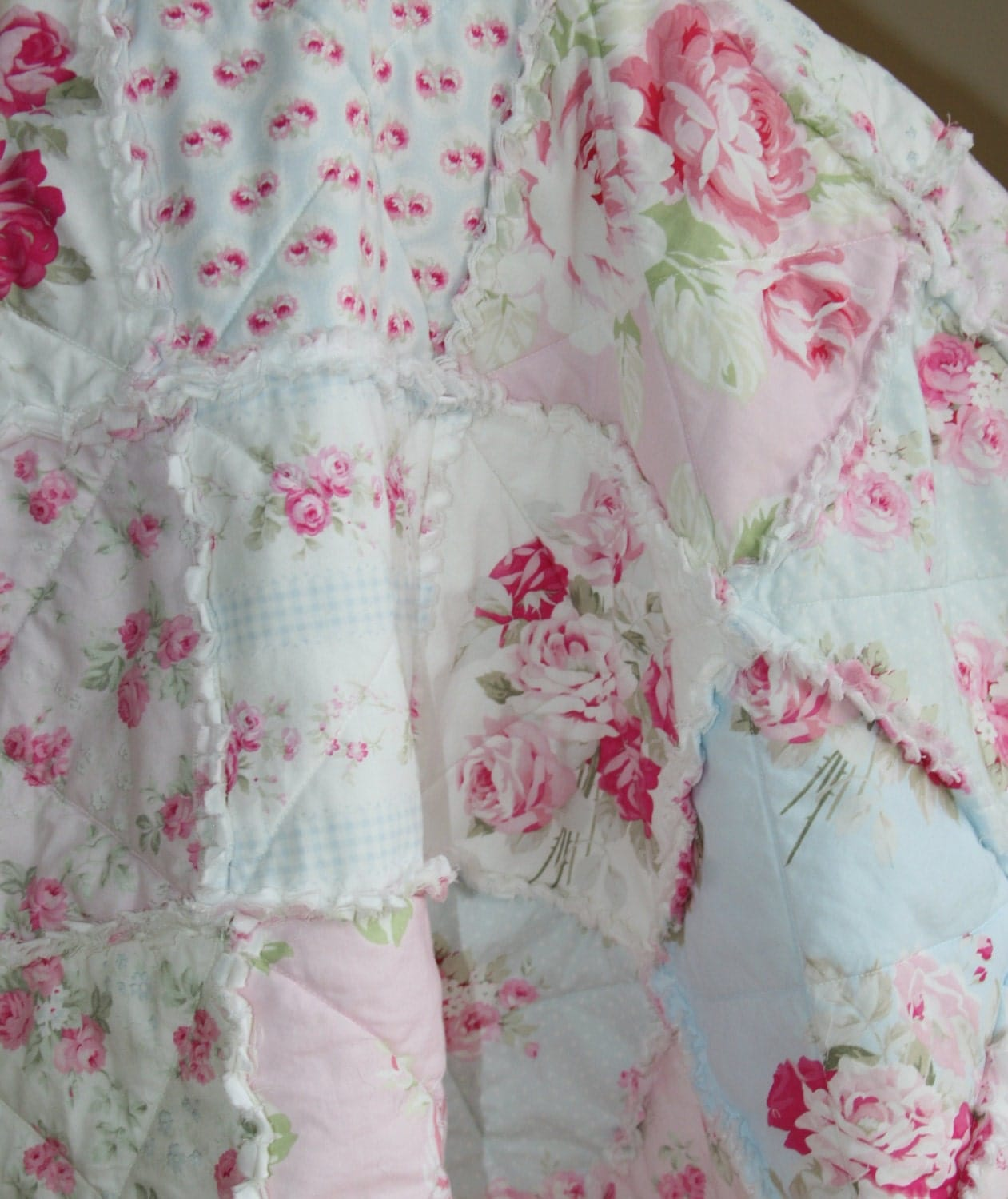 crib rag quilt baby girl crib bedding shabby chic nursery pink. Black Bedroom Furniture Sets. Home Design Ideas