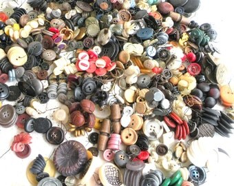 Old Buttons- Sewing- OVER 2-  1/2 LBS- Botones- Bulk Lot- Crafts- Colorful- Circle- Needle Thread- DIY
