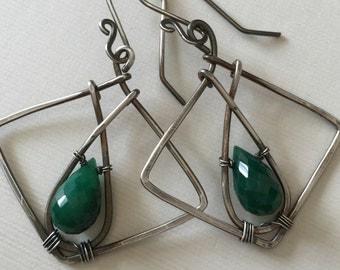 Gorgeous emerald earrings in silver - wire wrapped earrings
