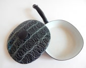 Vintage 1960s Midcentury Modern Abstract Enamel Cookware Fry Pan Black & White