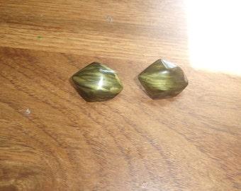 vintage clip on earrings green lucite swirl