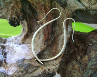 Hill Tribe Silver Earrings - The Elegant Ivory (2)