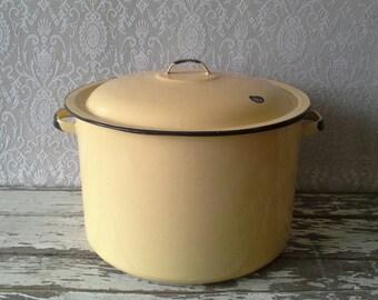 Enamel Pot, Vintage Enamel ware, Yellow Pot, Large pot with lid, Retro Kitchen Vintage Home decor