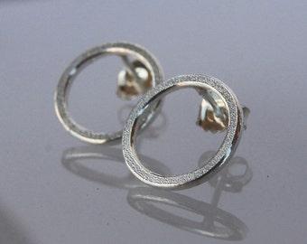 Earrings O in silver