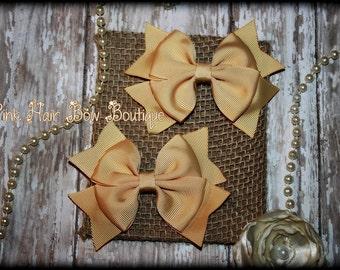 Set of 2 tan Pigtail Bows, Pigtail hair bows, 4 inch hair bows for girls, Hair Bows for toddlers, Tan hair bows