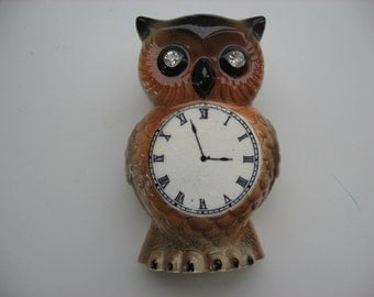 Vintage Mid Century Owl Wall Pocket/ Kitchen Utensils/Desk Supplies/Vanity Items Rhinestone Eyes//Retro Decor 1970s