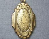 Large Antique Locket Pendant/Antique Brass Locket/Brass Floral Locket/Large Brass Pendants/Large Floral Locket Pendant/SALE