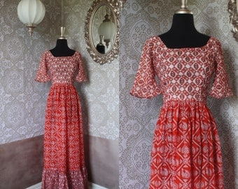 Vintage 1970's Red and White Cotton Boho Gypsy Dress Small