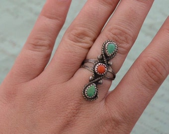 60s Navajo Turquoise and Coral Ring - Size 6.25
