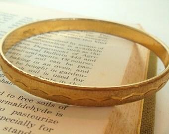 Vintage Monet Bangle Gold Bracelet Texture Etched Zig Zag 50's (item 12)