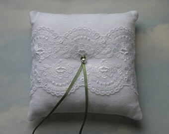 White linen ring cushion. Ring pillow.