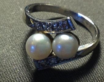 Beautiful 2 Pearl Diamond Ring 14K White Gold Size 6.25