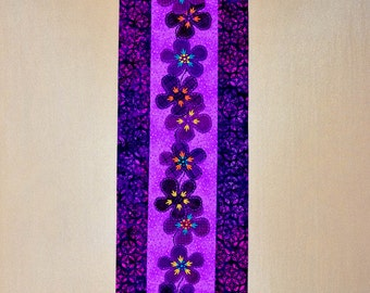 Table Runner - Quilted - Wool Applique - Funky Flower Applique Table Runner