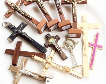 Crosses crucifix wood assorted lot of 13 big chunky religious crosses for assemblage